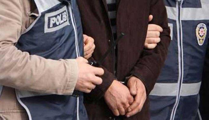İzmir'de 2 kişi tutuklandı