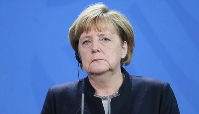 Kritik oylamada Merkel'den Türkiye açıklaması
