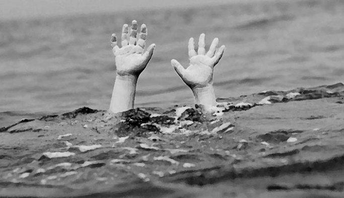Nehre düşen koyununu kurtarırken boğuldu