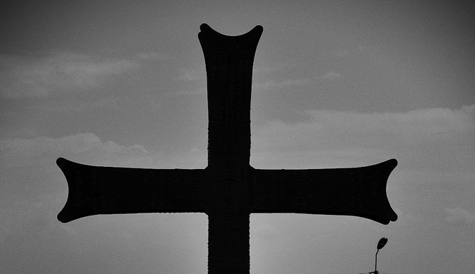 Papaz uyuşturucu kaçakçılığından tutuklandı