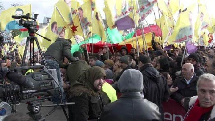 PKK yandaşları Almanya mitingini karıştırdı