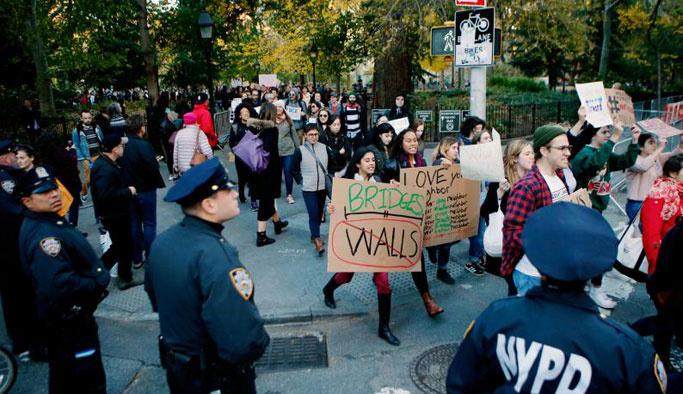 """Başkent Washington'da """"Trump karşıtı"""" protesto"""