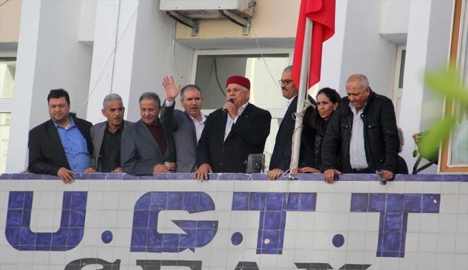 Tunus'ta zam yok, protestolar başladı