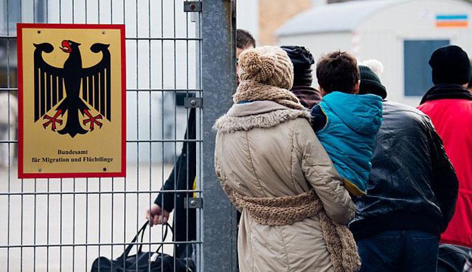 Diplomatik pasaport hamillerinden Almanya'ya iltica başvurusu