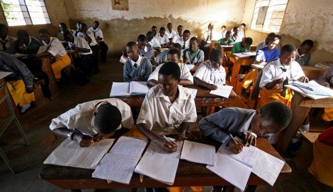 Uganda Bill Gates'in okulunu kapattı
