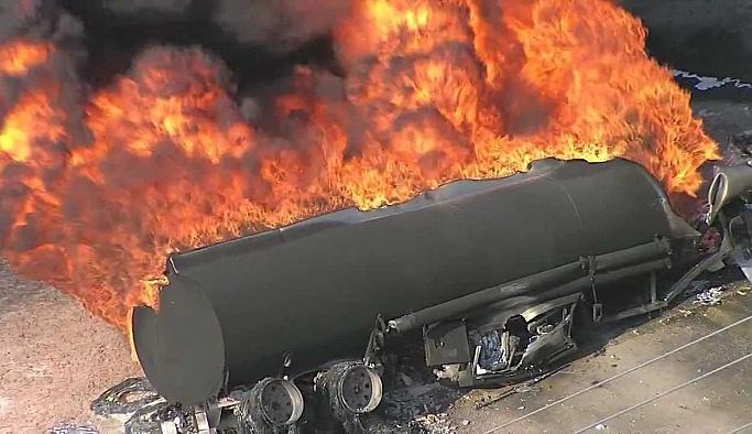 Akaryakıt tankeri patladı: 1ölü