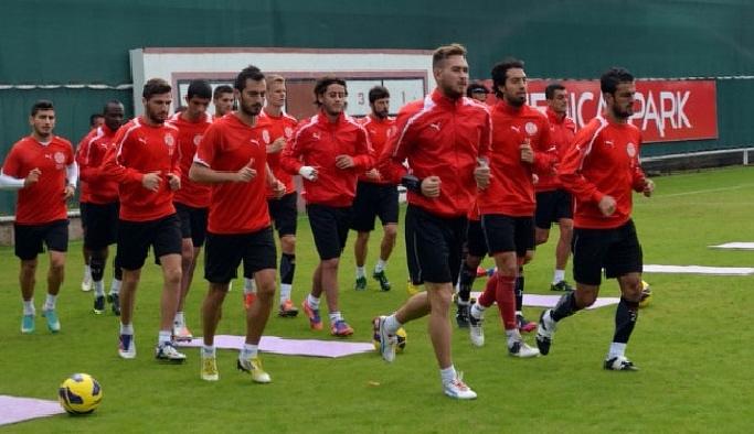 Antalyaspor'da Medipol Başakşehir mesaisi devam ediyor