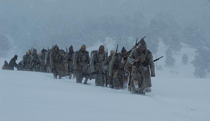 Sarıkamış'ta asker kış şartlarına yenildi