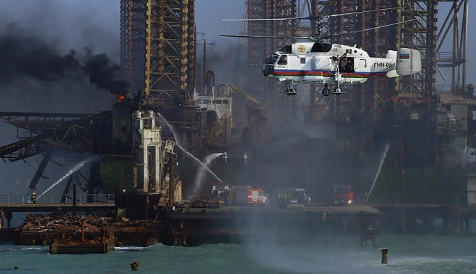 Azerbaycan'da petrol platformu kazası