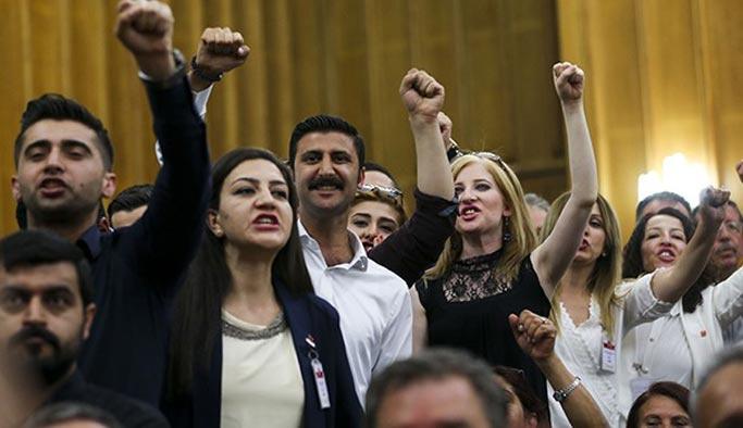 CHP grup toplantısındaki hakaretlere dava
