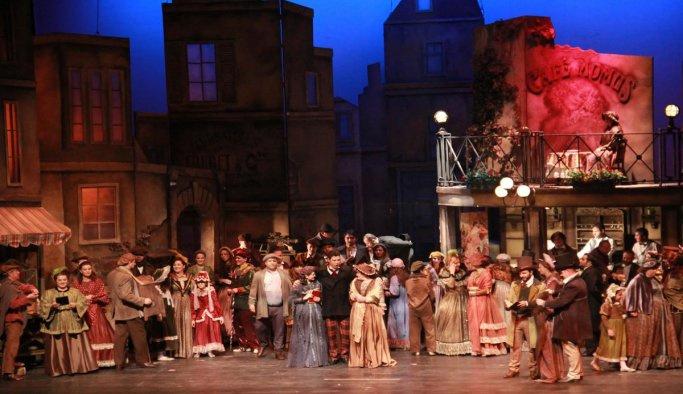 """""""La Boheme"""" operası sahnede"""