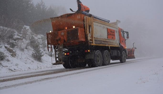 Malatya-Adıyaman karayolu kardan kapandı