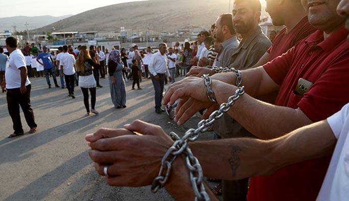 PYD Kürt göstericilere silahla saldırdı