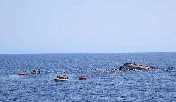 Akdeniz'de 100 göçmeni taşıyan tekne alabora oldu