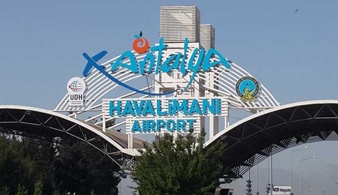 Antalya Havalimanı'nda canlı bomba paniği