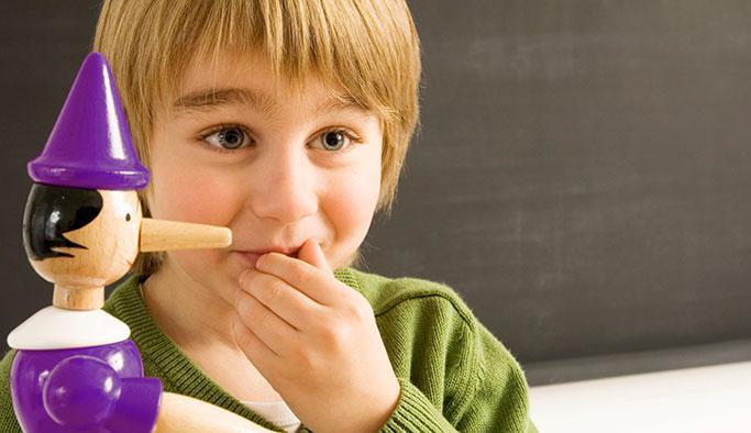 Çocuklara Yalan Söylemeyi Biz mi Öğretiyoruz?
