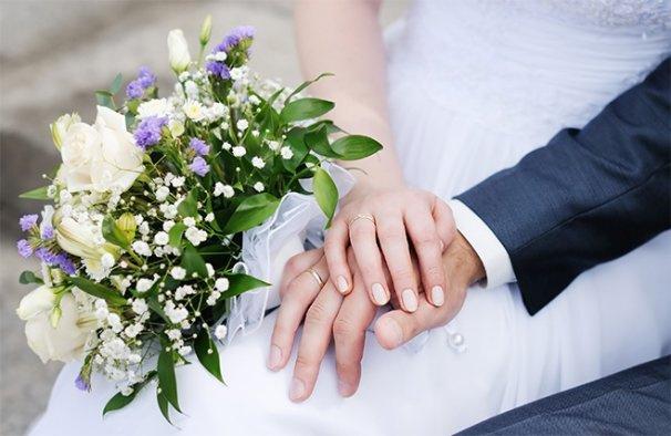 Geç yaşlarda evlilik doğurganlığı olumsuz etkiliyor