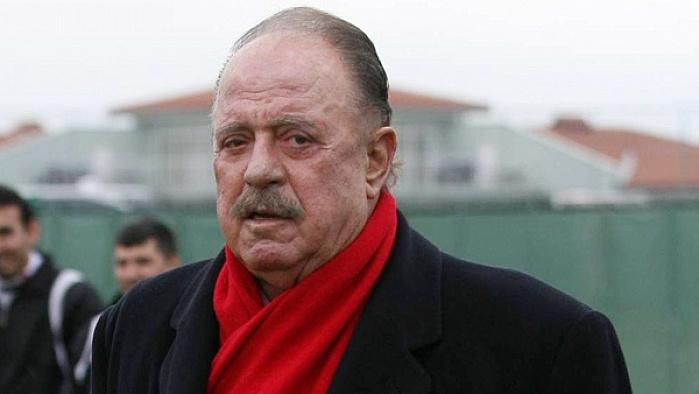 İlhan Cavcav hayatını kaybetti.