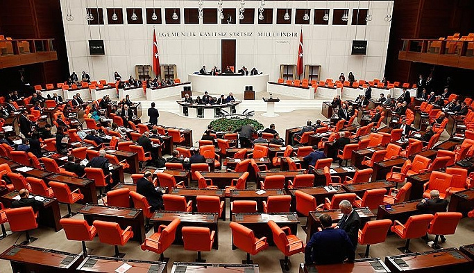 İlk madde 345 oyla kabul edildi