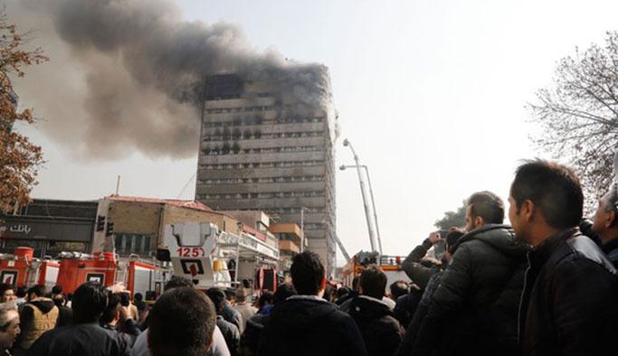 İran'da 17 katlı bina canlı yayında çöktü, 30 ölü