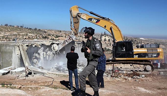İşgalcilerle ve Filistinliler arasındaki yıkım gerginliği