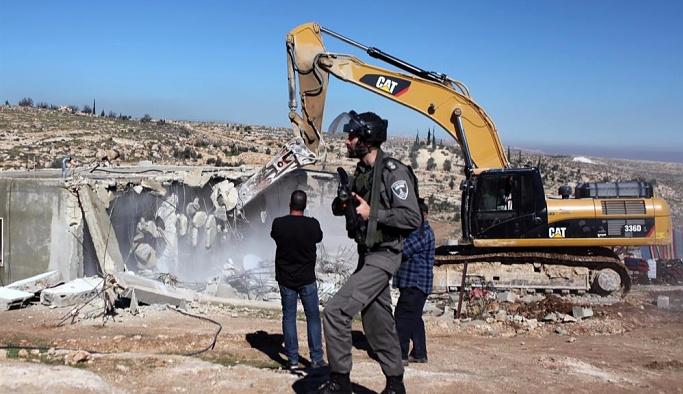 İsrail Araplara ait 11 evi yıktı