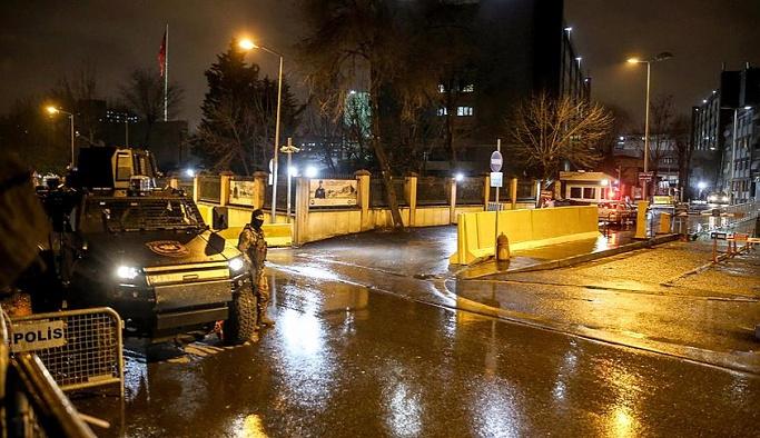 İstanbul Emniyeti'ne 'lav'lı saldırı