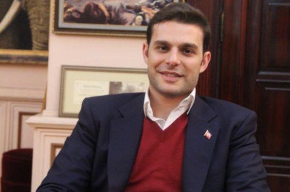 Oyuncu Mehmet Aslan gözaltına alındı