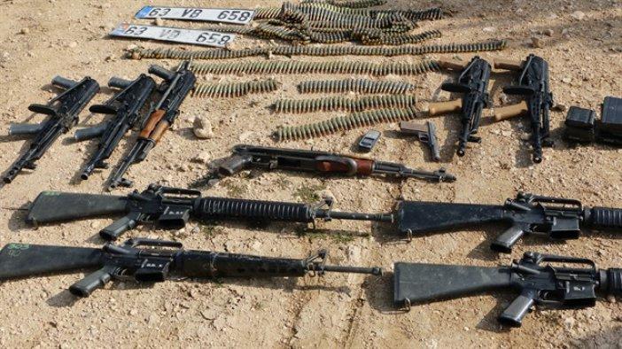 Suriye sınırında silah ve mühimmat ele geçirildi