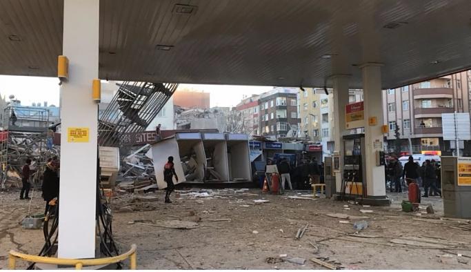 Zeytinburnu'nda 21 bina tahliye edildi