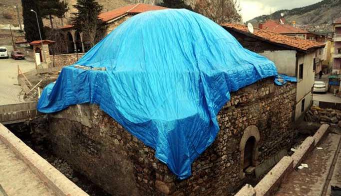 400 yıllık 'hela'dan hazine çıktı