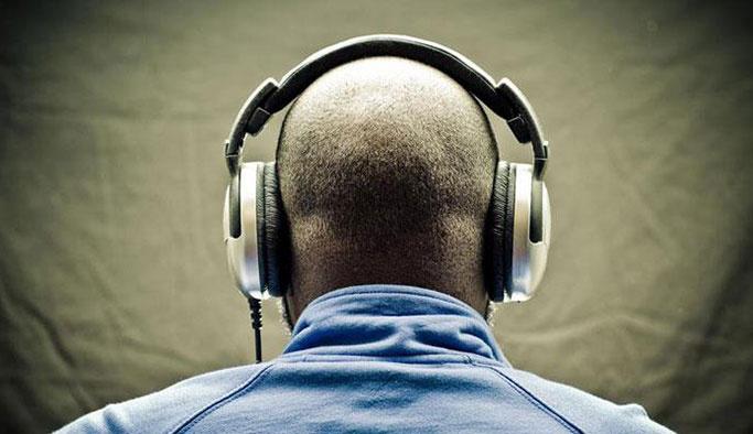 Almanya yabancı gazetecileri dinlemekle suçlanıyor