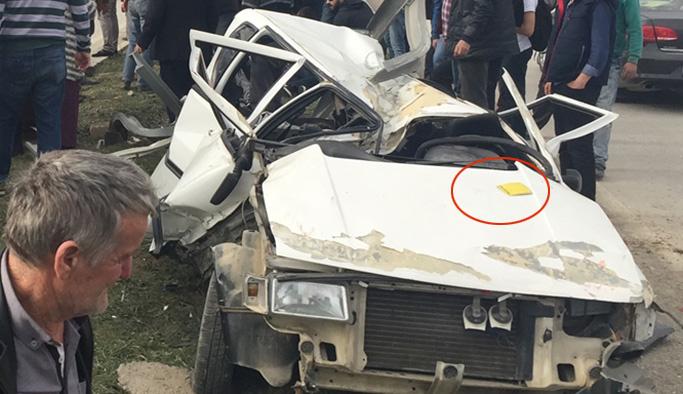 Beş kişinin sağ kurtulduğu pert araçta dikkat çeken detay