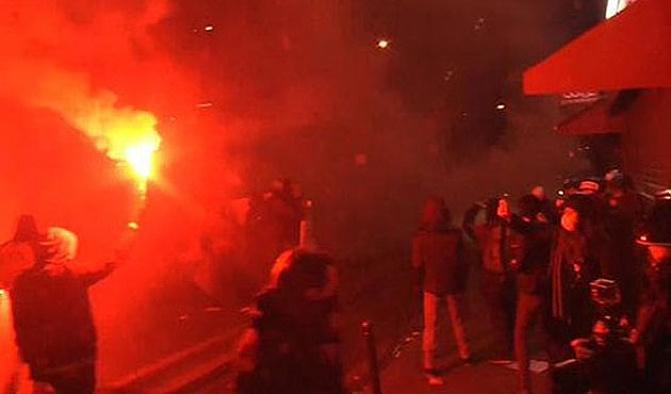 Fransa'da lise öğrencileri polis şiddetini protesto etti