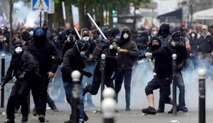 Fransa'daki protestolarda 13 kişi gözaltı