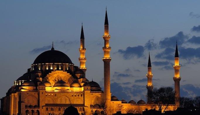 İstanbul'da ezan sesine düzenleme