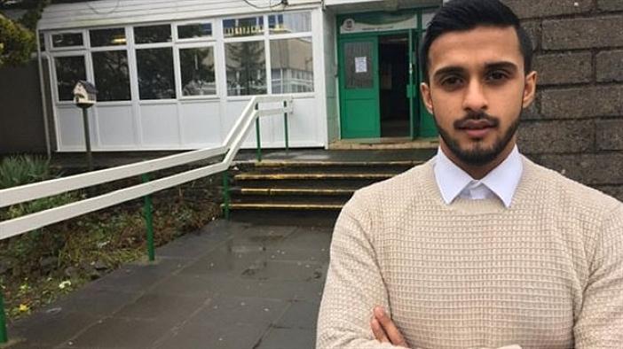 Müslüman öğretmen ABD uçaktan indirildi