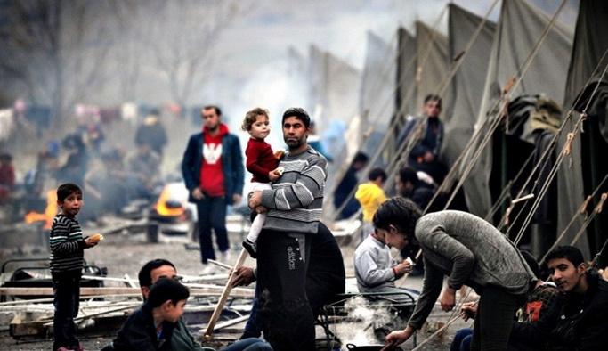 '3 milyon mülteci Türkiye'ye gelmeye çalışıyor'