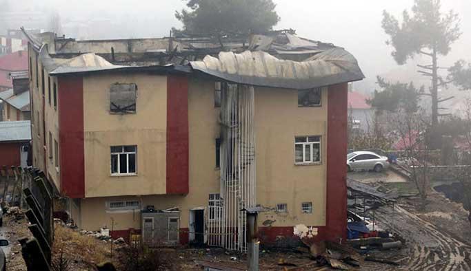 Adana yangını ders oldu, 45 öğrenci yurdu kapatıldı
