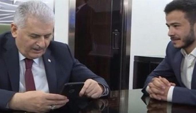 Başbakan uçakta kız istedi