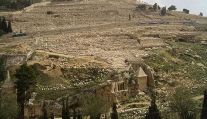 İsrail'de 4 bin yıl öncesine ait mezarlık bulundu