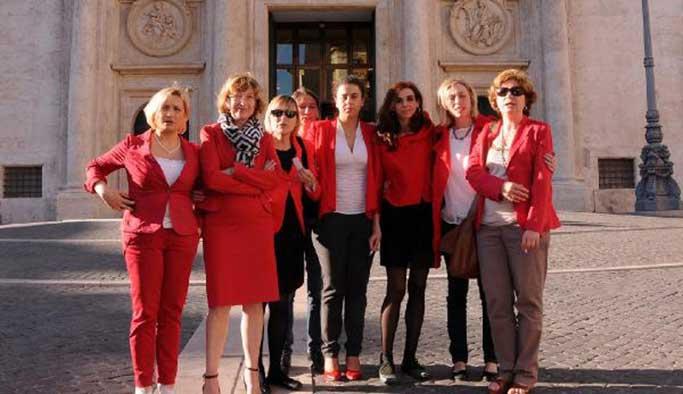İtalya'da çalışan kadınlar için regl izni teklifi