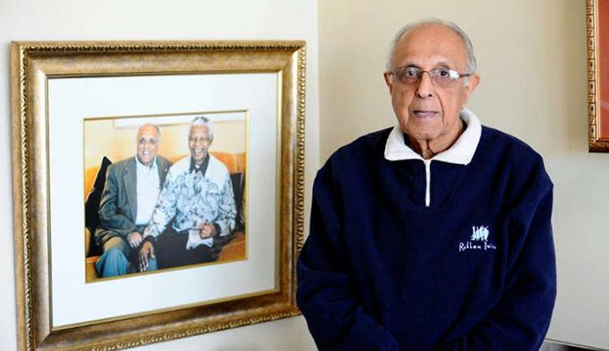 Mandela'nın yol arkadaşı toprağa verildi
