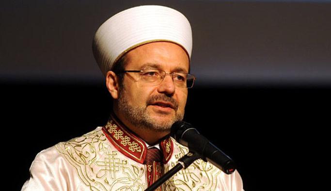 Mehmet Görmez: Gençlerin küpesine, dövmesine karışmayın
