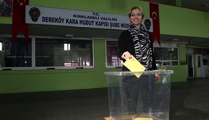Sınır kapıları ve gümrüklerde oy kullanımı başladı