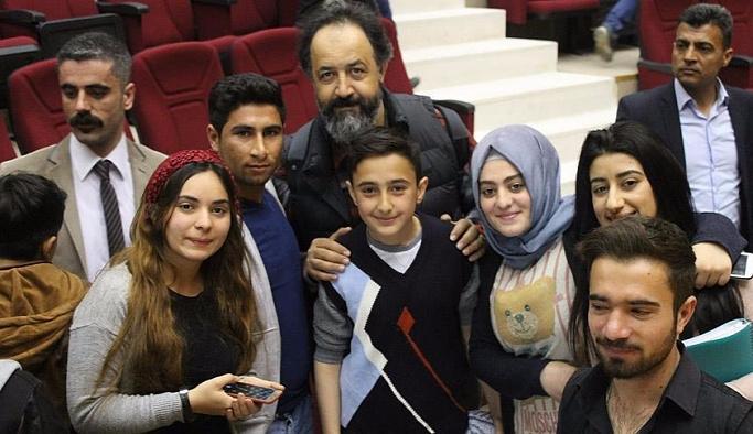 Terör mağduru öğrenciler ilk kez tiyatroyla tanıştı
