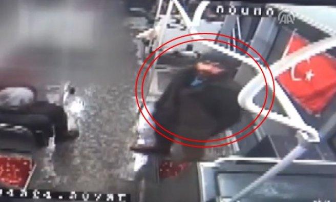 Vanlı vatandaşlar bayrağa saldırıyı affetmedi VIDEO