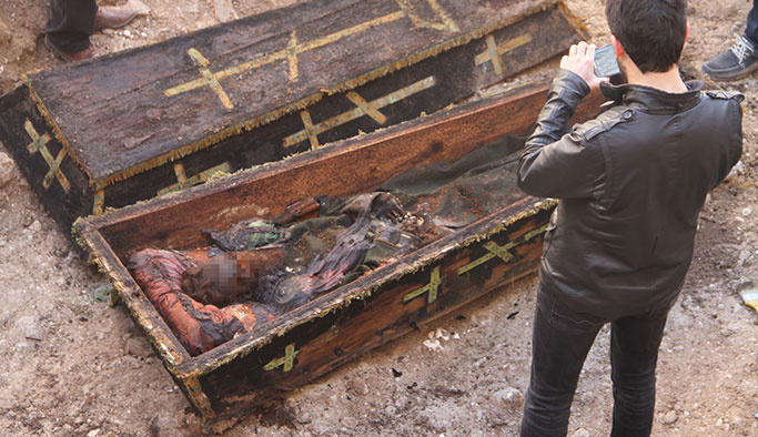 Ardahan'da Rus generalin cesedi tabuttan çıktı