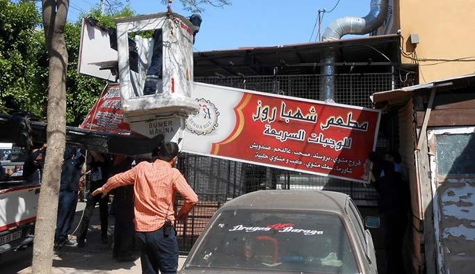 Belediyeden Arapça  tabelalara operasyon