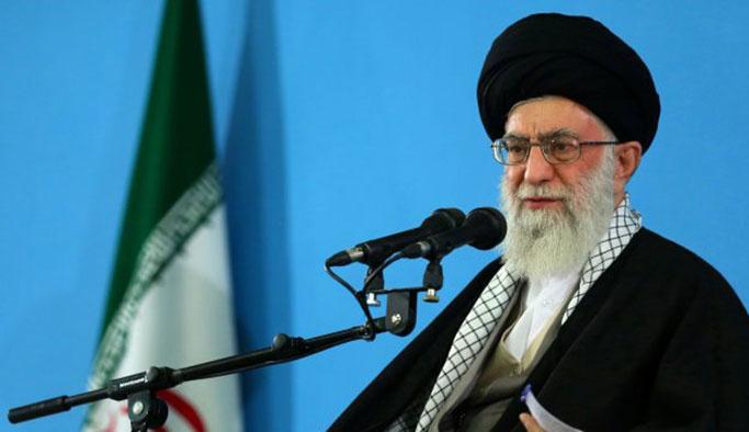İranlı akademisyenler Hamaney'dne 'değişim' istedi